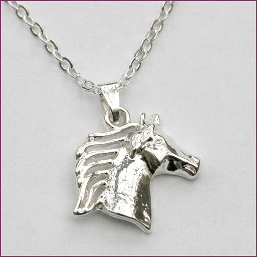 Pferdekopf mit Mähne